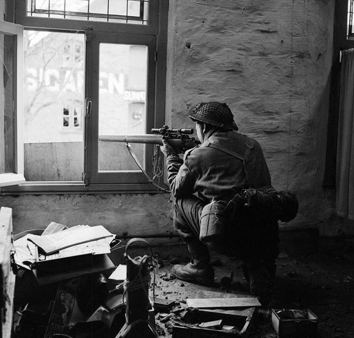 TOP 10 Amazing World War II Photos